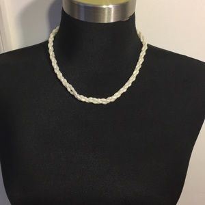 Vintage 18 in twist bead necklace gold tone clasp